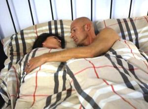 Petra (45) und Frank (41) erhoffen sich von dem Experiment wieder Pepp in ihre Beziehung zu bringen. (c) RTL