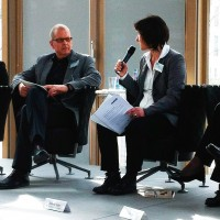 Auf dem Abschlusspanel befragt Sabine Eder u.a. Prof. Dr. Bernward Hoffmann aus Münster, (c) Susanne Bergmann