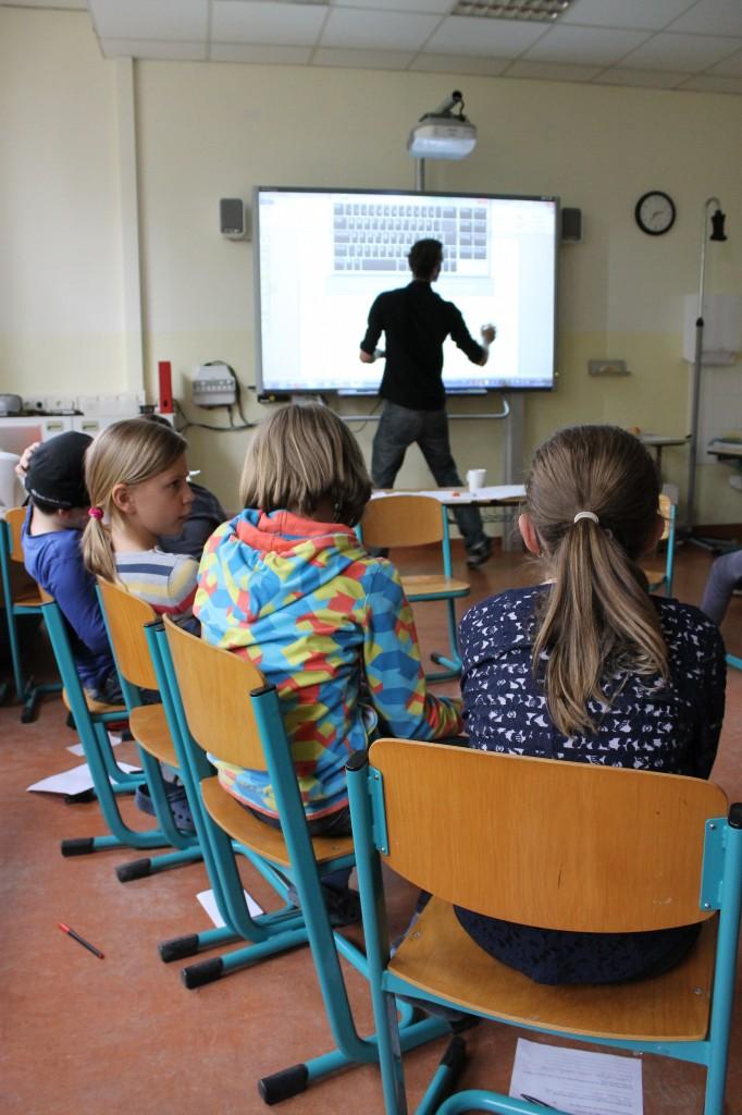 """Workshop FSF, Leopold Grün und Jens Baumgarten zum Thema: """"WIRKLICHKEIT UND SCHEIN: WIE WAHR IST DAS, WAS DAS FERNSEHEN ZEIGT?"""""""