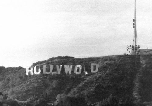 """Der """"Hollywood""""-Schriftzug der siebziger Jahre. Heruntergekommen spiegelte es die damalige Krise in der Filmmetropole wieder (cc) Bob Beecher"""