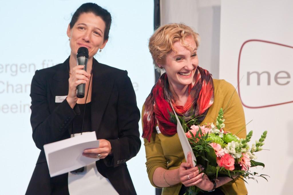 Miriam Janke und Franziska Dettke, die den medius 2014 erhält © FSF
