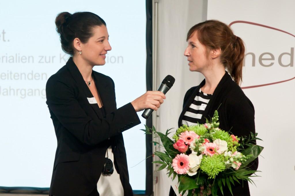 Moderation: Miriam Janke, Preisträgerin des medius 2014: Jennifer Schatz © FSF