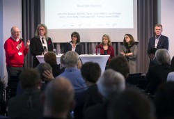 ICC Berlin 2015: Roundtable v.l.n.r.: David Cooke (British Board of Film Classification), Leo Pekkala (National Audiovisual Institute, Finland), Moderatorin Vera Linß, Anne Mette Thorhauge (Danish Media Council for Children and Young People) Patricia Vance (Entertainment Software Rating Board, USA) und Wim Bekkerers (Netherlands Institute for the Classification of Audio-visual Media) © photothek.net/Thomas Koehler