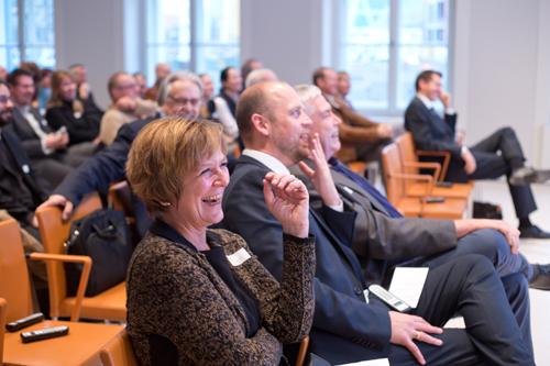 medien impuls von FSM und FSF am 26.11.2015 mit dem Titel: Nach der Reform ist vor der Reform: Bund und Länder streben eine umfassende Reform des Jugendschutzes an – aber welche? 1. Reihe v.l.n.r.: Claudia Mikat (FSF), Otto Vollmers (FSM), Joachim von Gottberg (FSF) © FSF