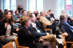 Klickvergrößernd; medien impuls von FSM und FSF am 26.11.2015 mit dem Titel: Nach der Reform ist vor der Reform: Bund und Länder streben eine umfassende Reform des Jugendschutzes an – aber welche? - v.r.n. I.: Isabell Rausch-Jarolimek (die medienanstalten), Stephan Dreyer (HBI), Rolf Bardeli (Fraunhofer-Institut) © FSF