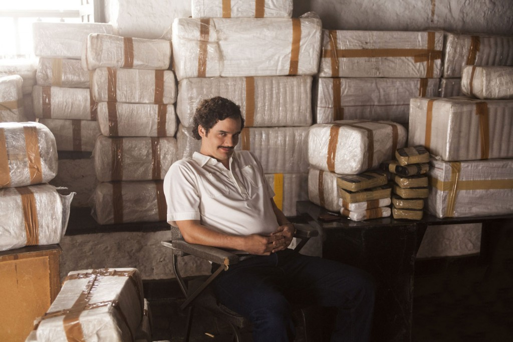 "Per Klick vergrößerbar: Wagner Moura as Pablo Escobar in the Netflix Original Series ""Narcos."" in: Narcos - Season 1 - Production Stills 02; Photo credit: © Daniel Daza/Netflix"
