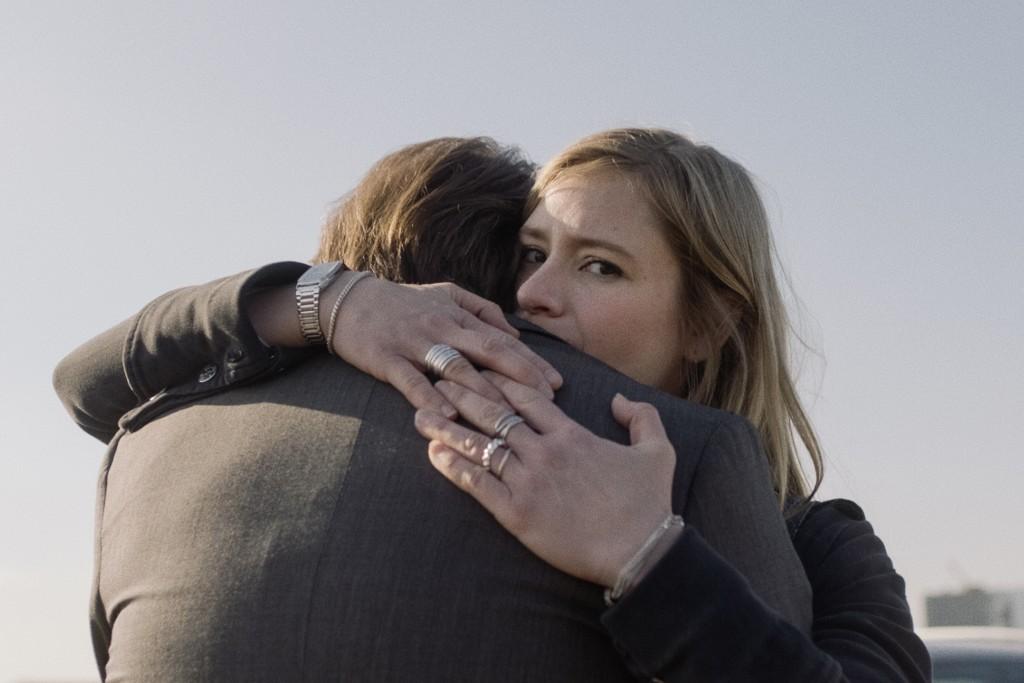 """Still aus dem Spielfilm """"24 Wochen"""" Astrid (Julia Jentsch) und ihr Mann Markus (Bjarne Mädel) © Berlinale / Friede Clausz"""