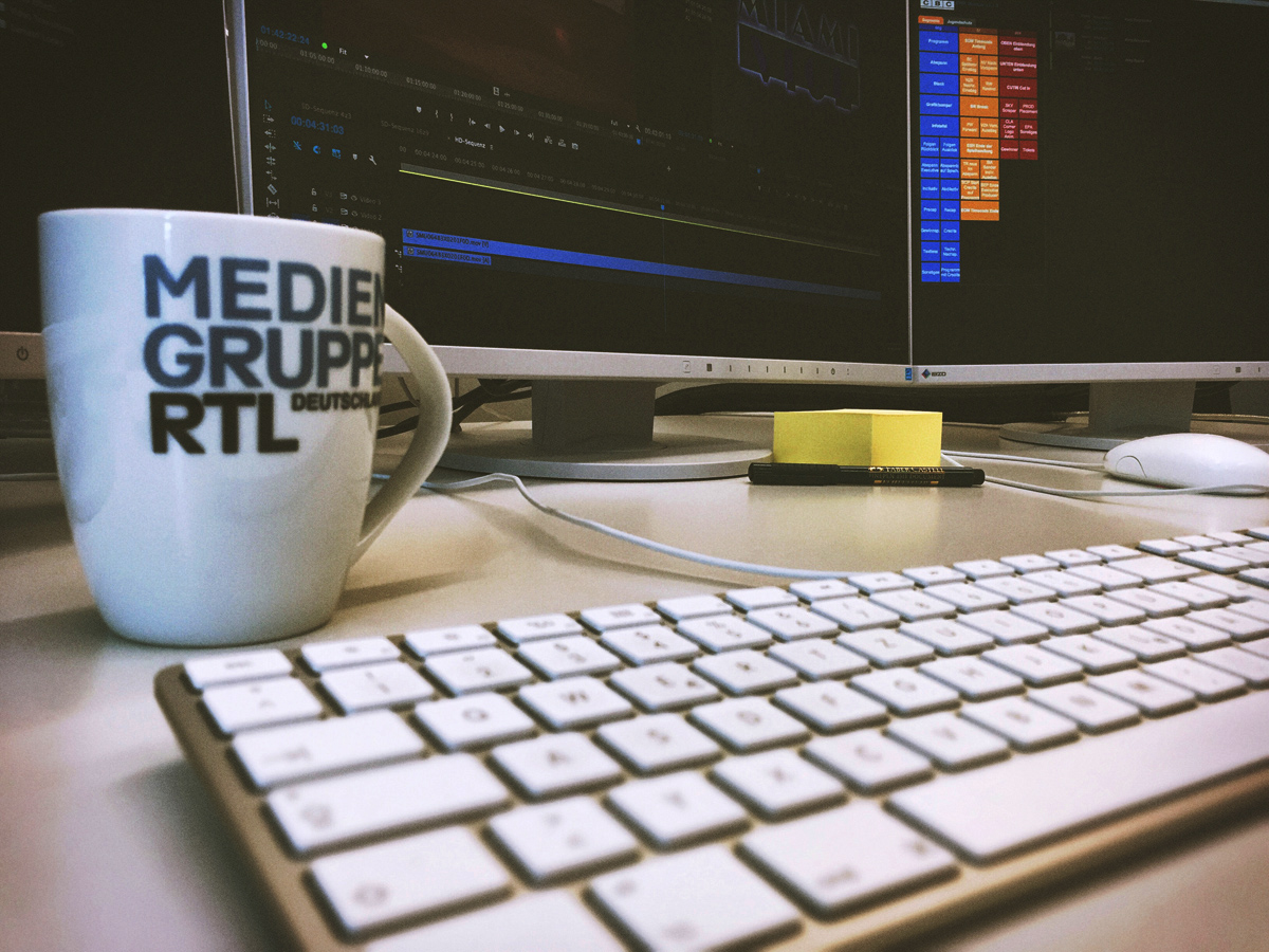 Arbeitsplatz eines Jugendmedienschutzbeauftragten bei der Mediengruppe RTL Deutschland © Manuel Ladas