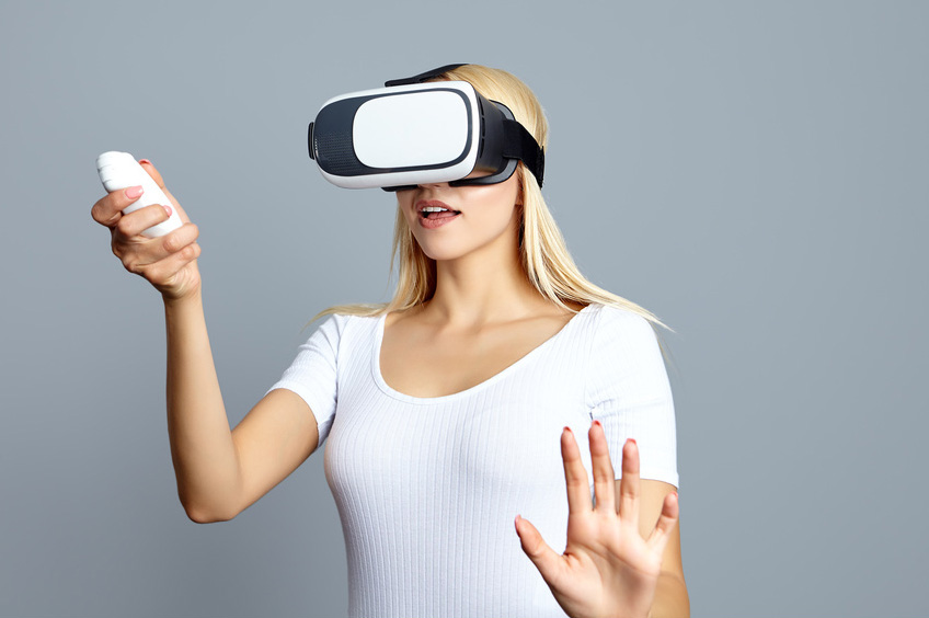 Woman wearing of VR goggles © ZoomTeam