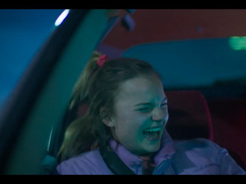 Zu Hause pflegt sie ihren kranken Vater und auf der Arbeit sorgt die Kollegin für Stress – das ist der harte Alltag der jungen Autowäscherin Tex. Aber zum Glück gibt es jemanden, der Tex so mag, wie sie ist. In: TEX, Netherlands 2017, 18 min. | Live Action, Dutch, FSK 12. Sehsuechte Student Film Festival |Future: Teens II, Donnerstag, 26. April 12:30h im fx.Center. Regisseur: Jonas Smulders, Cinematographer: Sam Du Pon, Music: Wisse Barkhof, Elio Steenbergen, Sound Designer: Gijs Domen, Taco Drijfhout.